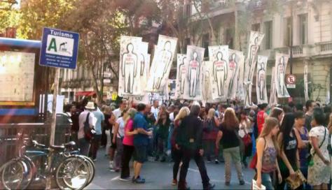 Buenos Aires, 24 de marzo de 2016. Marcha hacia la Plaza de Mayo.