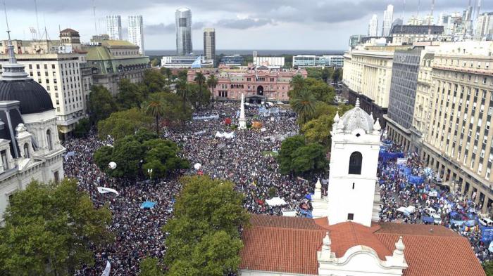 Buenos Aires, 24 de marzo de 2016. En Plaza de Mayo se llevó a cabo el acto de conmemoración de los 40 años del golpe cívico-miliar de 1976.
